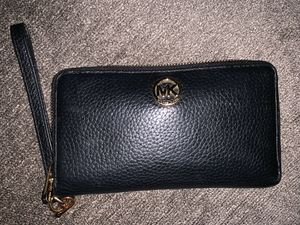 Michael Kors Wallet/Wristlet for Sale in Fontana, CA