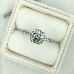 1.21 carat diamond engagement ring. I VS2 Never worn for Sale in Los Angeles, CA