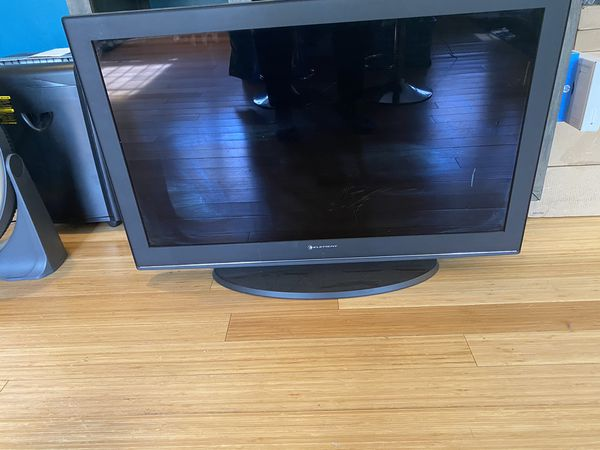 40 in Element TV perfect working condition
