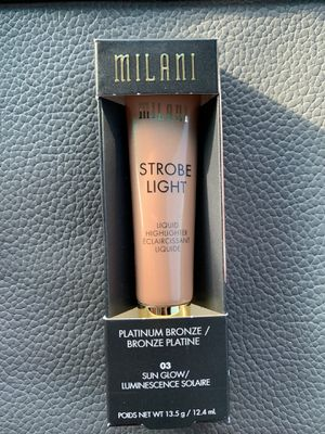 Milani Strobe Light Highlighter for Sale in Indian Head, MD