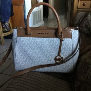Michael Kors purse for Sale in Ceres, CA