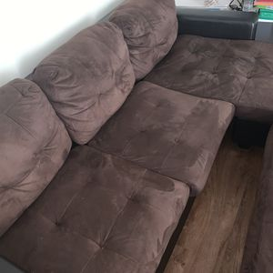 Small Couch! Great Condition! for Sale in Fresno, CA