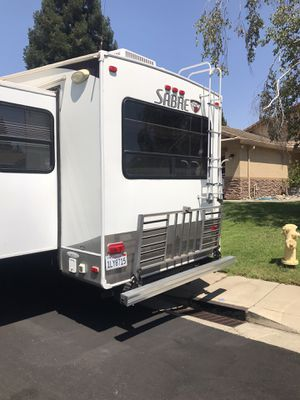 2011 Sabre 31rets 5th wheel trailer 36' overall for Sale in Roseville, CA