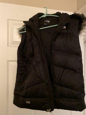 Northface Vest ladies XL detachable fur trim for Sale in Westmont, IL