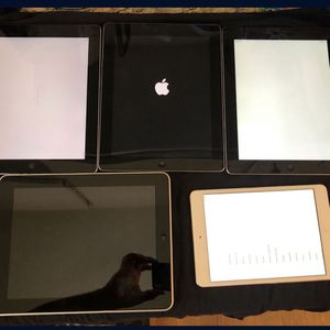 5 used Apple iPads for parts only SOLD AS IS. for Sale in Lakewood, CA