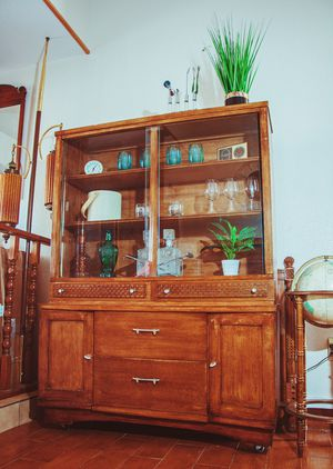 Vintage Mid Century Hutch / Bar/ Shelves/ Storage for Sale in El Paso, TX
