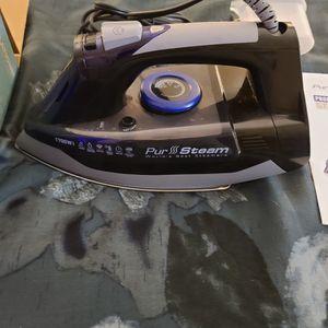 Pro Steam Iron (New/Open Box) 10$ for Sale in Moreno Valley, CA