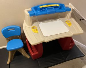 Kid's/Toddler desk with chair for Sale in Lake Forest Park, WA