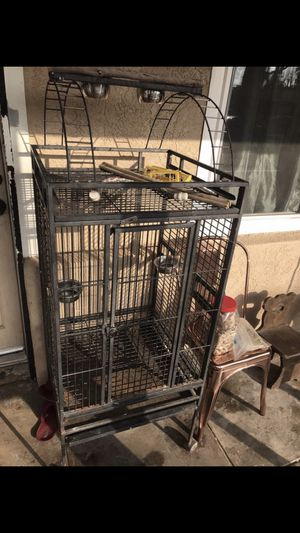 Bird cage as is for Sale in San Bernardino, CA