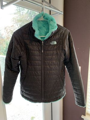 Girls North Face Reversible jacket for Sale in Puyallup, WA