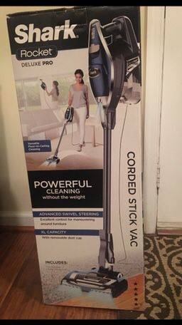Shark Rocket Deluxe Pro corded stick vacuum HV-322 ( Brand New ) for Sale in Edgewater, MD