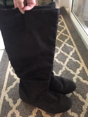Women's Black Suede Boots- Size 8 for Sale in Clearwater, FL
