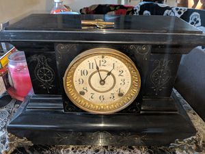 Seth Thomas Antique Mantle Clock for Sale in Evansville, IN