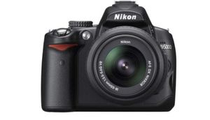 Nikon d5000 for Sale in San Diego, CA