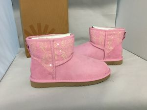 Ugg classic mini pink size 5,6 ,7 for Sale in San Francisco, CA