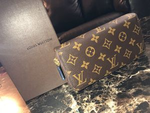 Louis Vuitton wallet for girls Brown for Sale in Arlington, TX