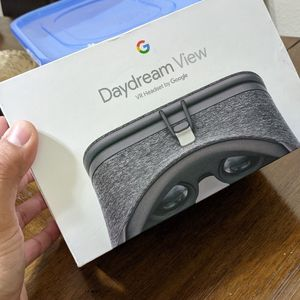 Daydream VR Headset By Google for Sale in Lakewood, CA