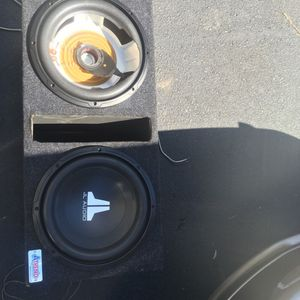 "2 12""s JL audio speakers cover came off one . But still hit like hell for Sale in Raleigh, NC"