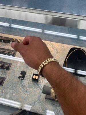 10kt Cuban link bracelet for Sale in Tampa, FL