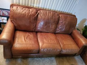 Very nice leather couch for Sale in Nashville, TN