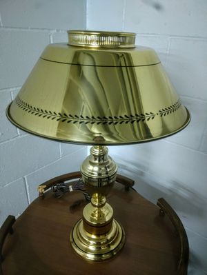 Vintage Metal Lamp for Sale in Pleasant Hill, IA