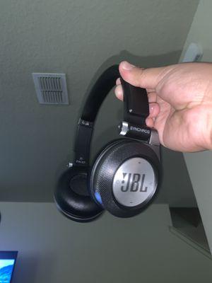 Jbl e40 bluetooth headphones for Sale in San Antonio, TX