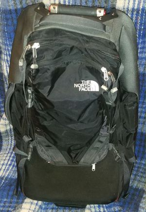 The North Face rolling luggage bag for Sale in Rosemead, CA