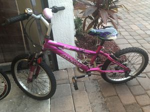 Girls Pink Magna Bike for Sale in Hialeah, FL