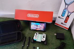 Nintendo switch v2 amazing bundle with over 30 games for Sale in Santa Ana, CA