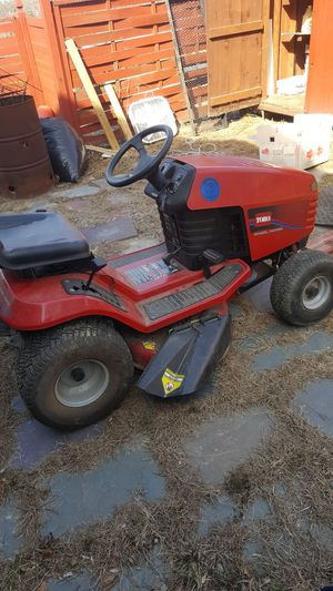 Ride on lawn mower with bagger for Sale in Dracut, MA