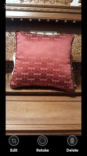 STRATFORD COLLECTION THROW PILLOW MAROON for Sale in Lynchburg, VA