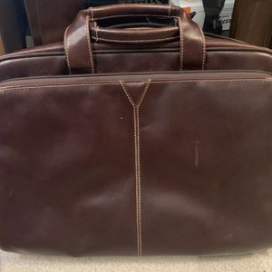 Johnston and Murphy leather messenger bag/laptop case for Sale in Franklin Township, NJ