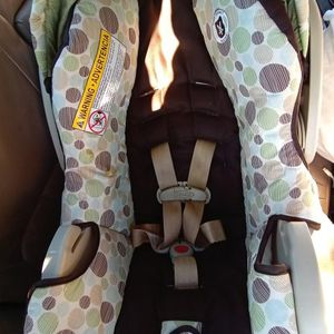 Graco Snugride 30 Infant Car Seat & Base for Sale in Indianapolis, IN