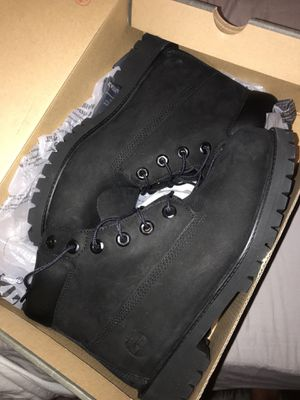Black Timberland boots. Size 6.5 boys / 8 womens. Brand new never worn for Sale in Clovis, CA