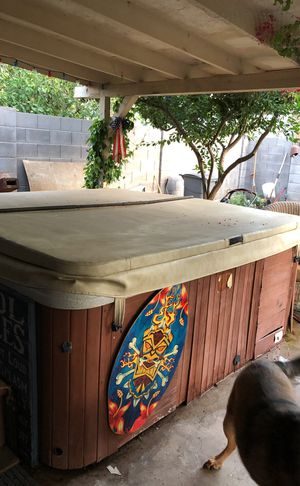Hot tub, salt water system, works great, new heater for Sale in Phoenix, AZ
