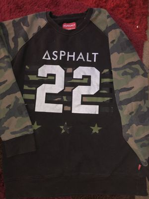 Asphalt (Nyjah Huston old sponsee brand) fits like xl for Sale in Fresno, CA