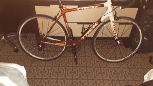 TREK MADONE CARBON FIBER for Sale in Weymouth, MA