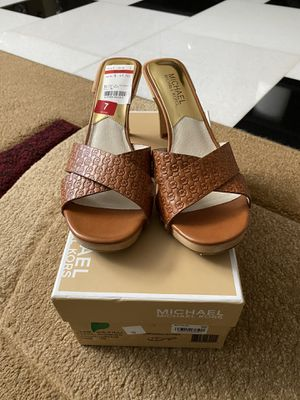 Michael Kors Sandal - Woman Size 7 Style # Amelie Luggage Mule for Sale in Corona, CA