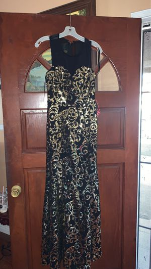 Prom dress size 5 for Sale in Anaheim, CA