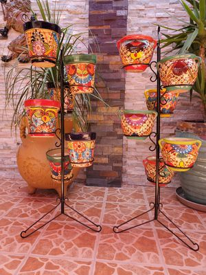 One 6 pot plant holders 4ft tall pots not included for Sale in Long Beach, CA