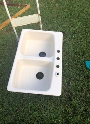 Porcelain kitchen sink for Sale in Dallas, TX
