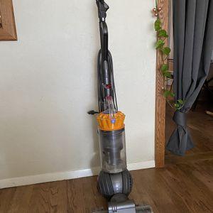 Dyson Slim Ball Vacuum for Sale in Chico, CA