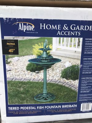 Fountain birdbath for Sale in Bell Gardens, CA