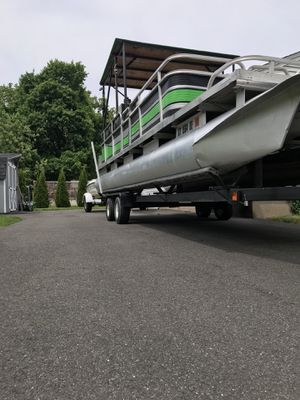 24 ft pontoon with 90HP etec evinrude for Sale in Newington, CT