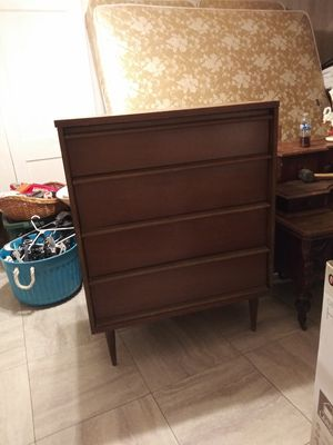 Dresser with matching bed side table for Sale in Buhl, AL