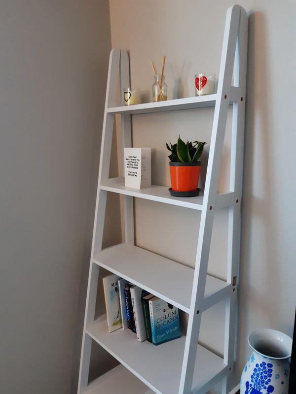 Ladder bookshelf/stand