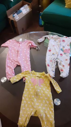 3-6m girl onesie (3 peices) for Sale in Milford Mill, MD