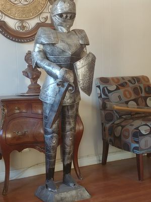 5.1ft Armor Knight Tin metal Stand for Sale in Lake Elsinore, CA