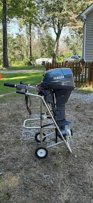 Boat outboard Yamaha 9.9 High Thrust kicker big prop 5hrs for Sale in Franklinville, NJ