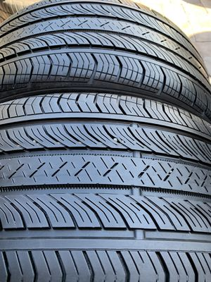 275 35 19 Continental pro contact 2 tires for Sale in Manassas, VA